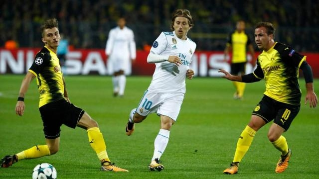 Modric tuvo los hilos del medio campo del Madrid con cadencia y efectividad en pases. AS.com.