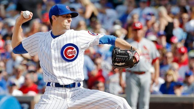 Calladamente Kyle Hendricks se ha vuelto el pitcher más confiable de los Cubs desde agosto. MLB.com.