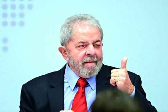 Ex-presidente apresenta os recibos do aluguel para Moro