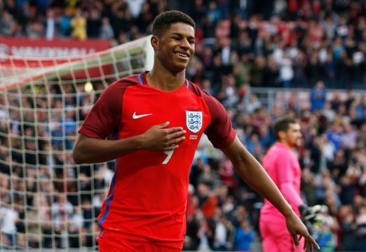 Marcus Rashford goal in a 2-1 victory over Slovakia moved England closer to World Cup qualification
