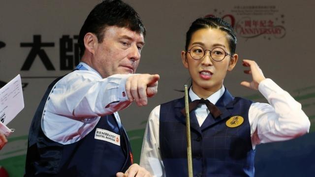 Jimmy giving pointers to Ng On-Yee a Hong Kong snooker player | South China Morning Post - scmp.com