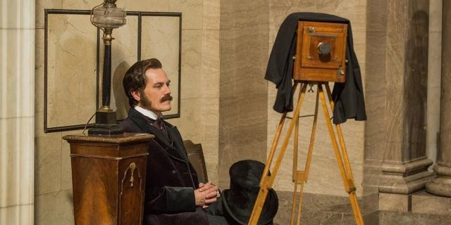 Michael Shannon è George Westinghouse in The Current War - teaser-trailer.com