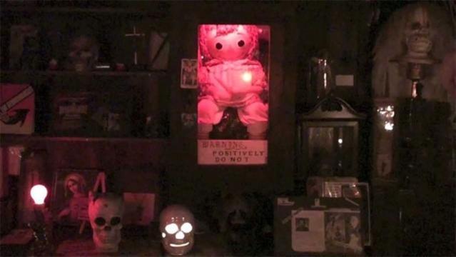Die reale Annabelle im Museum für Paranormale Ereignisse