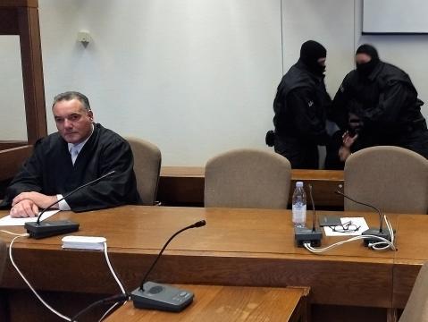 Erbitterter Kampf eines tobenden Angeklagten im Kölner Landgericht - Foto: Sigrid Schulz