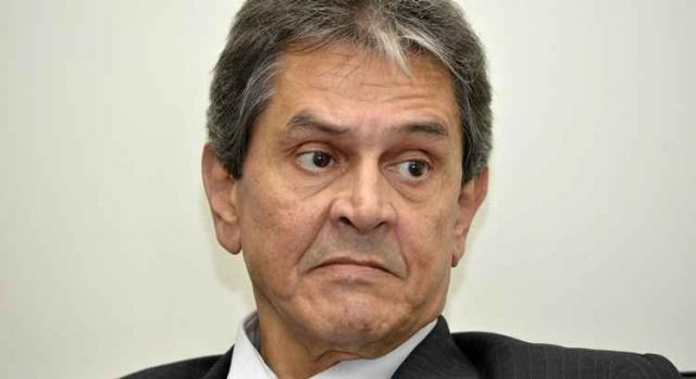 Presidente nacional do PTB, Roberto Jefferson mantém indicação de sua filha ao Ministério do Trabalho.