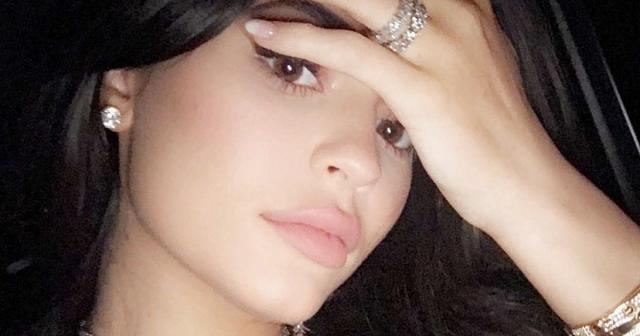Kylie Jenner Baby Bump: Star Hangs With Friends Amid Pregnancy News - usmagazine.com