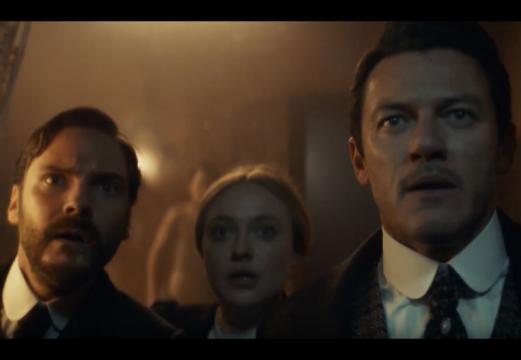 Daniel Brühl, Dakota Fanning, Luke Evans in The Alienist