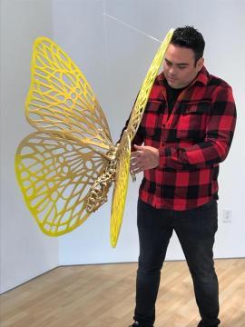 Andrés Paredes. En la galería de arte Samara Gallery, en Houston, Estados Unidos. (Fotografía Vía Facebook de Andrés Paredes).