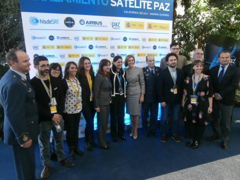 La euforia entre autoridades y técnicos es completa tras lanzarse el satélite con total éxito