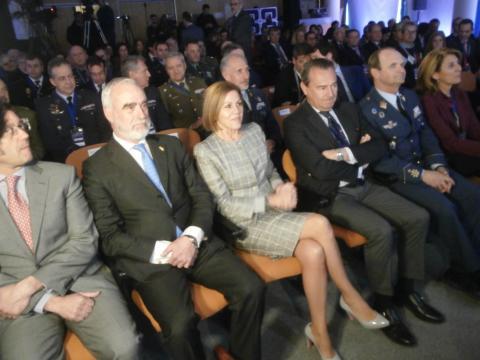 Satisfacción e incertidumbre entre las autoridades en los instantes previos del lanzamiento