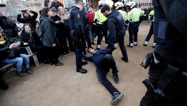LA SEXTA TV | Tres manifestantes heridos y diez mossos ... - lasexta.com