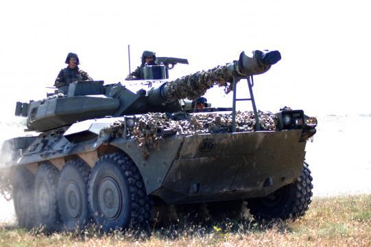 Blindados como el Centauro dan protección y potencia de fuego a las unidades