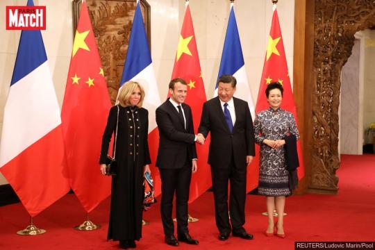 Emmanuel Macron offre en cadeau à Xi Jinping un cheval de la Garde ... - parismatch.com