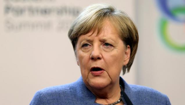 Sommet de l'UE à Bruxelles: affaiblie, Merkel va s'abstenir de ... - rfi.fr