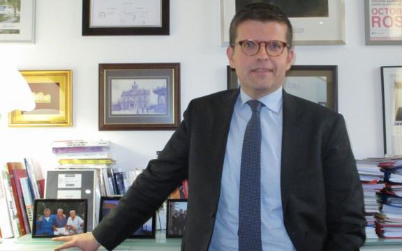 Le député d'Alforville Luc Carvounas (PS) a obtenu la nationalité ... - leparisien.fr
