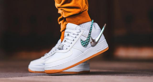 Les splendides Travis Scott x Nike Air Force 1, éminemment en vente / source : https://theidleman.com