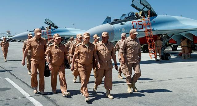 W rosyjskiej bazie Hmejmim samoloty stały dotąd niczym tarcze na strzelnicy (fot. sputniknews.com)