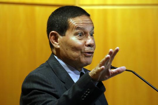 Silenciado por Bolsonaro, Mourão deve rejeitar protagonismo em prol de campanha. (foto reprodução).
