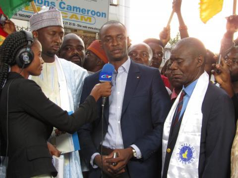 Cabral Libii face à la presse à Yaoundé