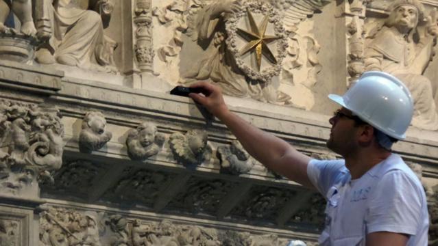 La labor de un conservador del Patrimonio Cultural es exquisitamente cuidadosa y muy delicada