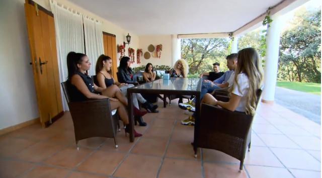 Los tronistas Maira y Moha acusan a sus pretendientes de coquetear entre ellos