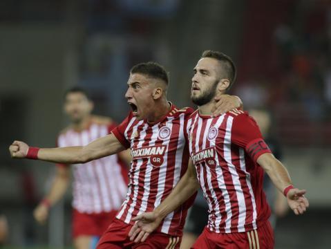 Alcuni giocatori dell'Olympiakos Pireo.