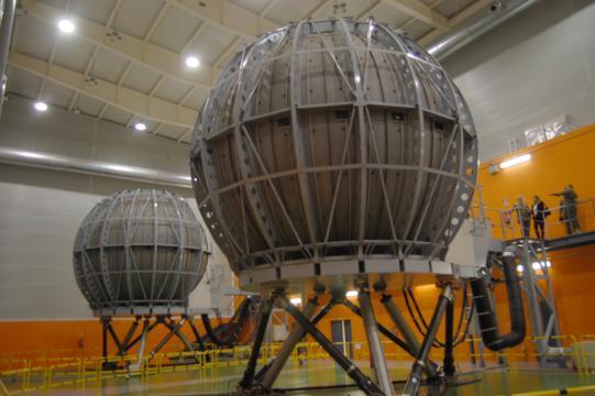 Las esferas de simulación del helicóptero Tigre, ahora interconectadas con el resto de sistemas.