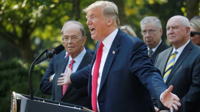 Pelo Twitter, Trump afirmou ter tido boas conversas com líderes em prol do mercado exterior - Galeria BN