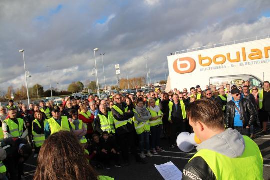 À Caen, la mobilisation des « gilets jaunes » du 17 novembre s ... - actu.fr