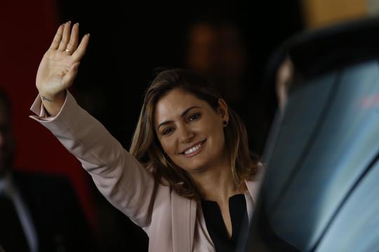 Michelle Bolsonaro afirma que quer assumir todos os projetos sociais possíveis e alega chamado