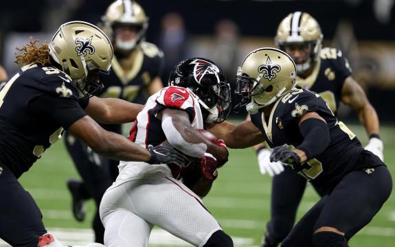 La defensiva de los Saints fue la clave en el triunfo contra Atlanta. www.flipboard.com