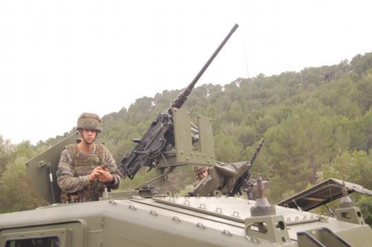 Los ametralladores preparan sus armas