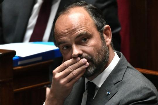Gilets jaunes : Édouard Philippe devient la cible de toutes les critiques