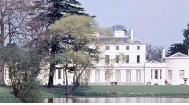 New home of Meghan Markle and Prince Harry at Frogmore House - the secret royal retreat. [Image source – Celebrity Gossip YouTube video]