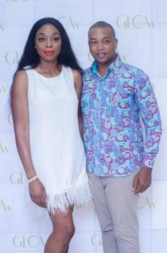 La jeune Laetitia Yota et le présentateur télé Eric Christian Nya (c) Eric Christian Nya