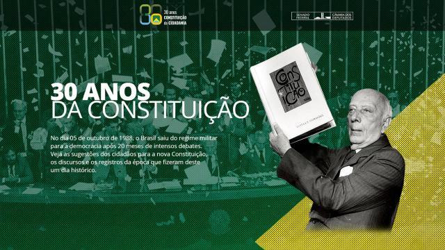 Na comemoração de 30 Anos da Constituição da República Federativa do Brasil, Bolsonaro defendeu a democracia e em live volta a preservá-la