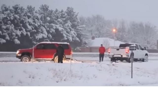 Major winter storm slams South with snow, sleet. [Image source/CBS Philly YouTube video]