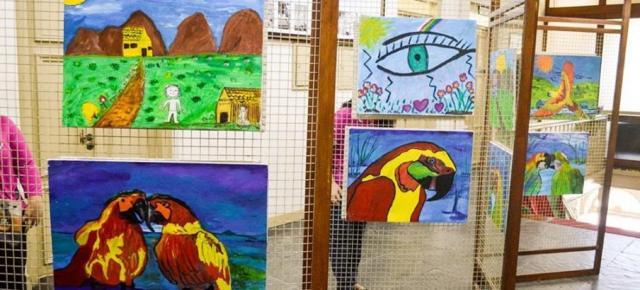 Quadros pintados por detentos de Santa Maria (RS) (Crédito: Divulgação UNP-Santa Maria)