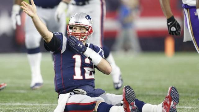 Brady llegó a mil yardas por tierra en su carrera. www.nbcsports.com
