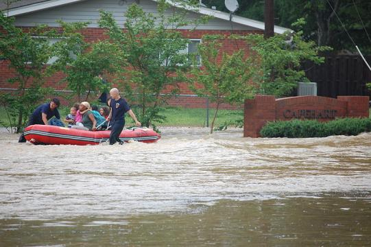 US Navy rescues family members from base housing (Image credit - Shannon Maxwell-Whelan, Wikimedia Commons)