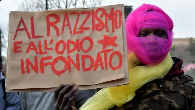 """Macerata invasa dal corteo antirazzista. Gli organizzatori: """"Siamo ... - lastampa.it"""