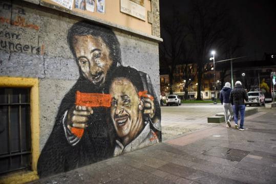 Milano, sfregiato il murale dedicato a Falcone e Borsellino ... - corriere.it