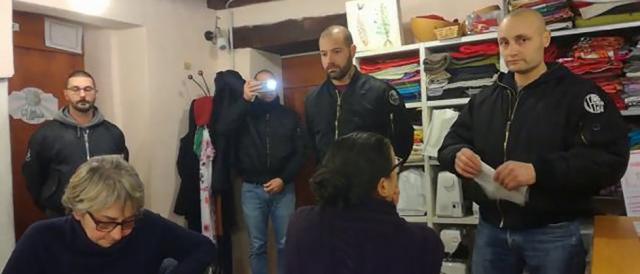 L'irruzione nei naziskin a Como, nella sede di un'associazione pro-migranti