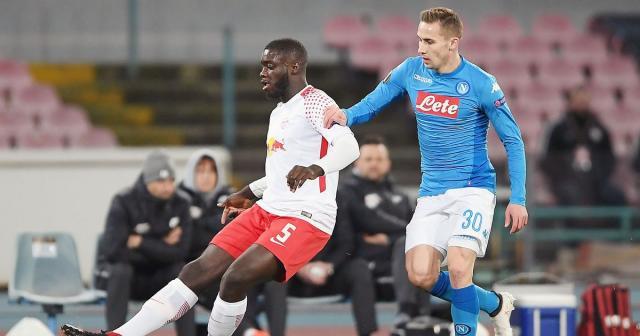 El Napoli jugó con un equipo alternativo y lo pagó caro. DailyMirror.com.