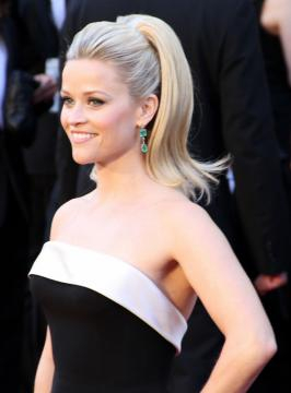 Reese at 83rd Academy Awards from Mingle media TV. https://commons.wikimedia.org/wiki/File:Reese_Witherspoon_2011.jpg