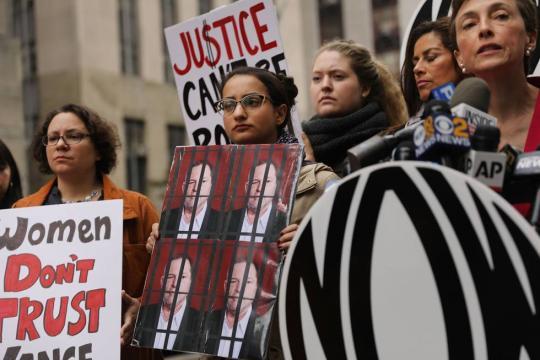 Cada día más de cientos de miles de personas unidas al #MeToo para denunciar- elpais.com