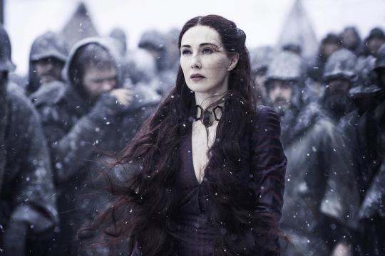 Game of Thrones: Melissandre como bruja roja