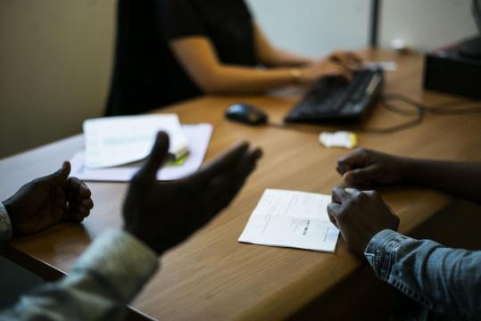 La barre des 100 000 demandes d'asile franchie en 2017 en France ... - liberation.fr