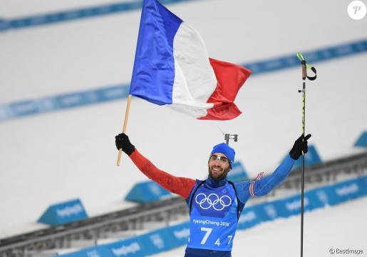 Martin Fourcade décroche l'or en Poursuite - (via purepeople.com)