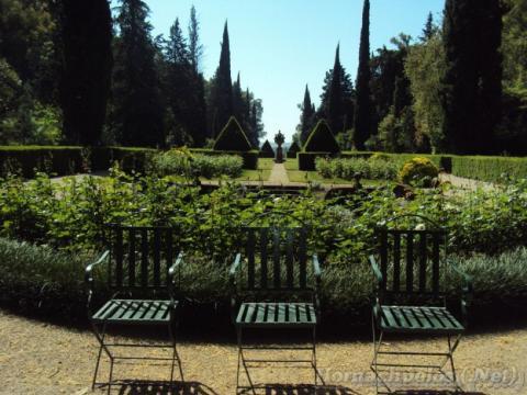SINTESIS DE LOS TRABAJOS DE CONSERVACION DEL JARDIN – Jardines sin ... - jardinessinfronteras.com